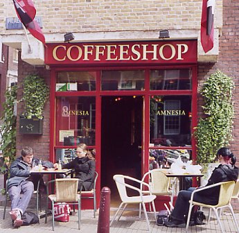Coffee Shop Date Tips - Small Coffee Shop